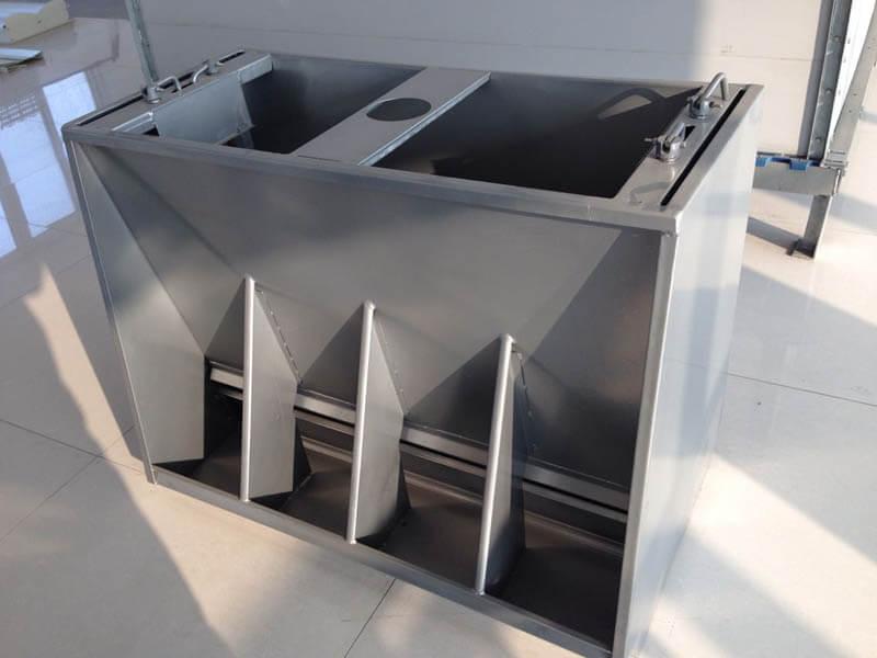 Stainless steel feeders